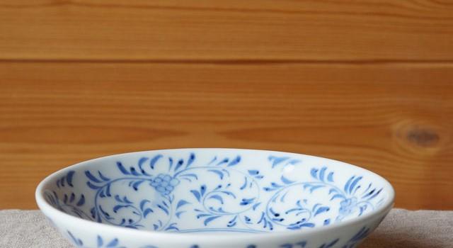 食卓を優しく飾る葉唐草の5寸浅鉢(陽貴窯)