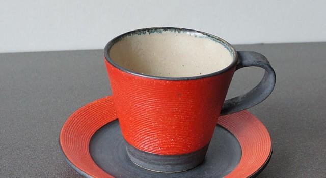 赤と黒の5寸皿