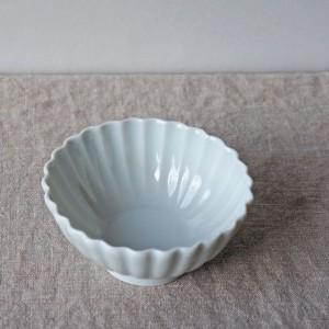 磁器菊小鉢(陶房 風遊舎)