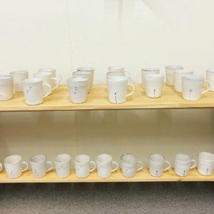 清水なつ子のマグカップとフリーカップ